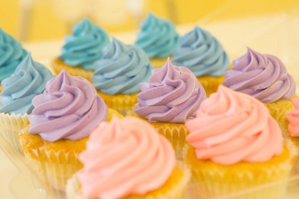 11 cupcakes